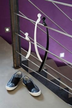 pi:p Vogel Schuhlöffel lang aus transparentem Kunststoff mit Wandhaken